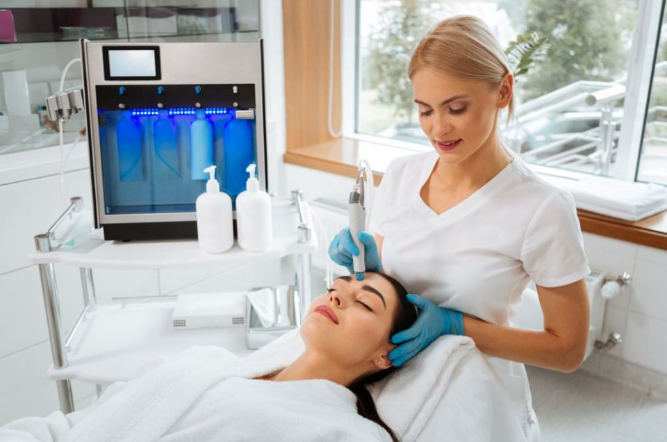 Benefits of HydraFacial Treatment: Is It Worth It?