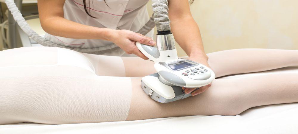 lipomassage cellulite on thigh